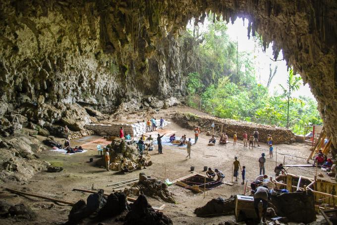 la grotta di Liang Bua, dove furono portati alla luce i resti dell'uomo di Flores